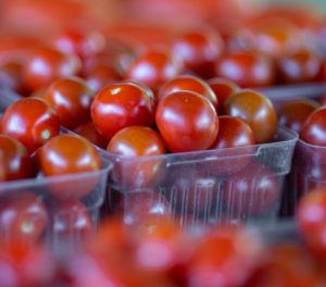 market-produce-cherry-tomatoes-pints