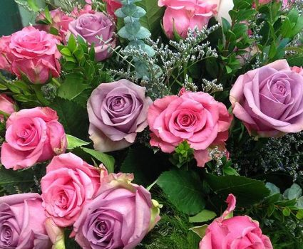 floral-shop-rose-arrangement-pink-purple
